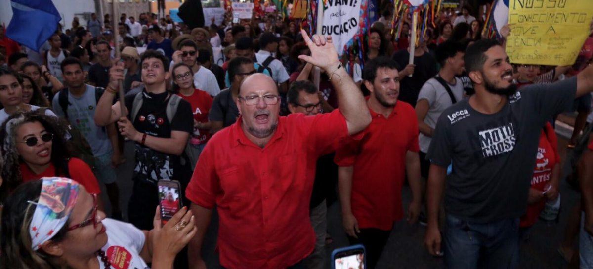 Sergipe participa de atos contra o corte de verbas na educação