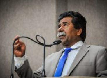 Vereador Bigode lamemta violência que cresce contra a mulher em Aracaju