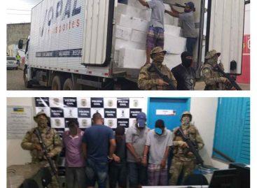 Cinco pessoas são presas com carga roubada em Feira Nova