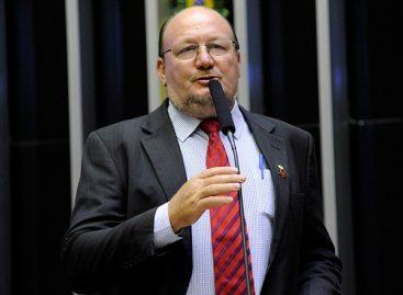 Projeto apresentado por João Daniel quer barrar decreto que amplia acesso a armas de fogo