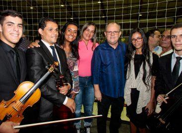 Belivaldo Chagas entrega Ginásio de Esportes à população de Pinhão