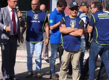 Capitão Samuel participa de manifestação de PC e intermediará diálogo com o governador