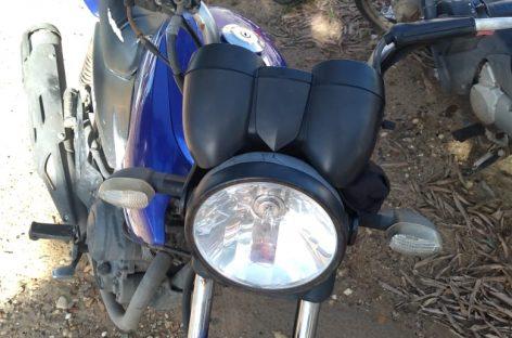SMTT apreende moto com mais de R$ 26 mil em multas; 55 por avançar sinal