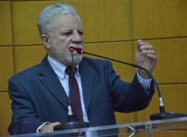 Gualberto critica aprovação da Medida Provisória 871 no Senado