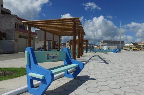 Prefeitura inaugura reforma de escola e entrega praça à população