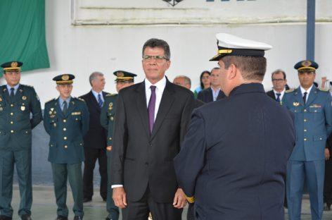 Kaká Andrade é homenageado com a medalha 'Amigo da Marinha'