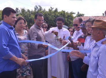 Valmir de Francisquinho inaugura reforma e ampliação de escola