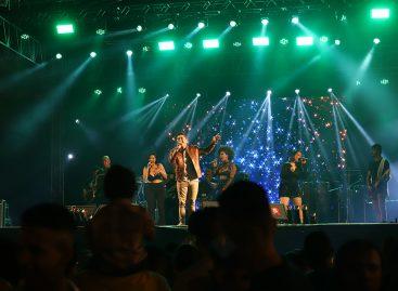 Forró Caju 2019: atrações da primeira noite atraem multidão à praça de eventos Hilton Lopes
