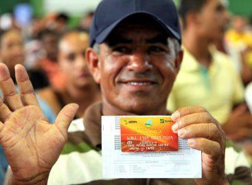 Governo inicia entrega de cartões e senhas do Programa Mão Amiga nesta segunda