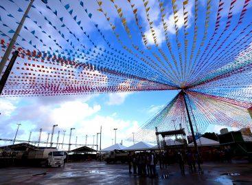 Arraiá do Povo 2019 é aberto na Praça de Eventos da Orla da Atalaia