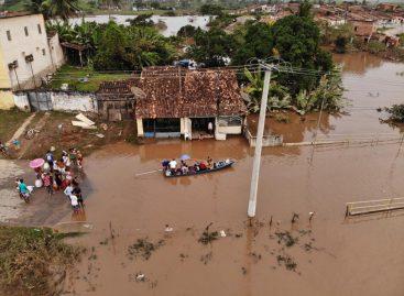 Rios baixam, 913 desabrigados e duas pessoas continuam desaparecidas