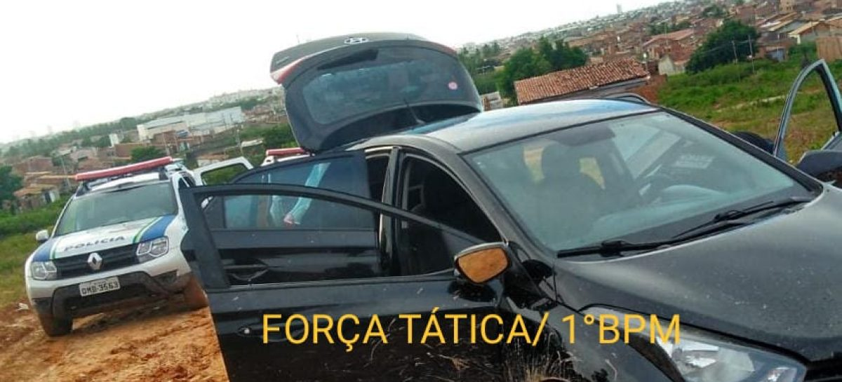 Polícia militar recupera veículo furtado e abandonado no Santa Maria