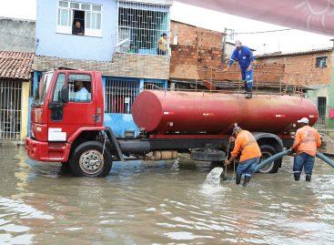 Prefeitura continua monitorando ocorrências da chuva e atende famílias do Largo da Aparecida