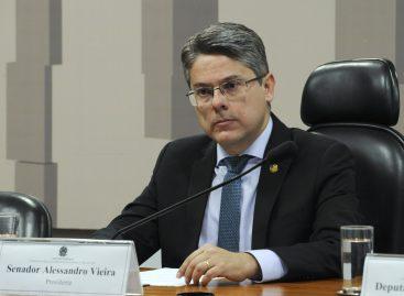 A democracia exige honestidade e transparência, diz senador Alessandro Vieira