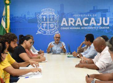 Edvaldo se reúne com moradores do Jabotiana e apresenta projeto que soluciona alagamentos
