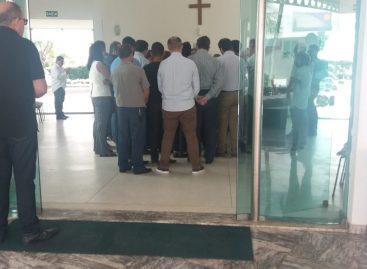 Corpo do empresário Sadi Gitz é velado no cemitério Colina da Saudades em Aracaju