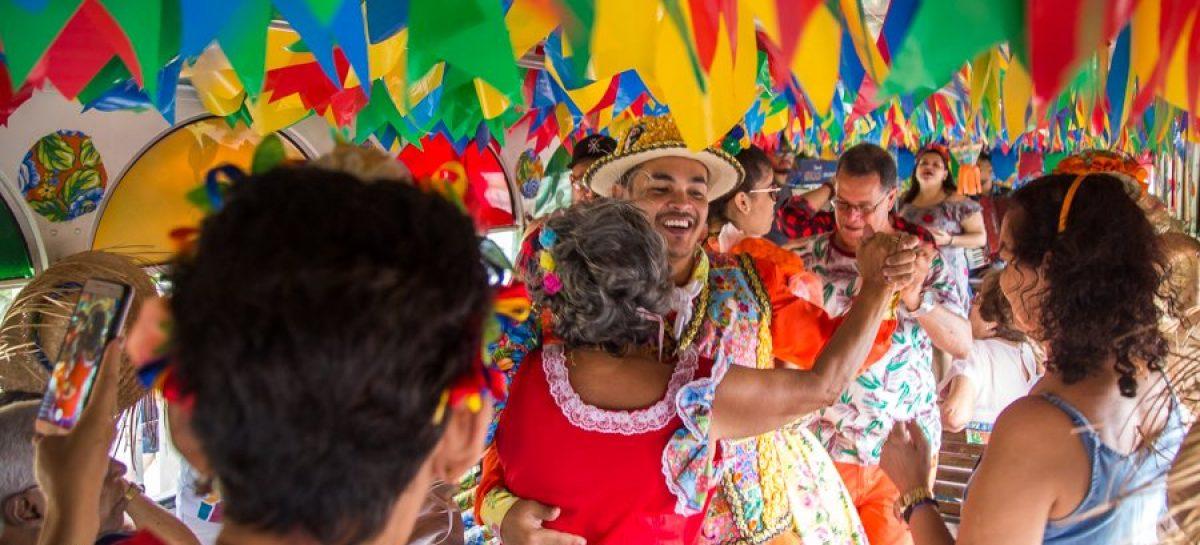 Ocupação da rede hoteleira nos finais de semana do Forró Caju superou expectativas