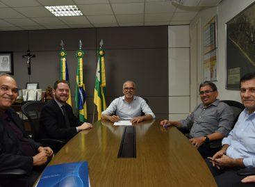 Edvaldo assina contrato com a Caixa para liberação de R$19 milhões para modernização administrativa