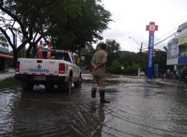 Tráfego na região do Jabotiana está parcialmente interditado, devido as fortes chuvas