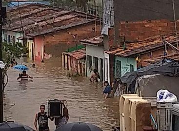 Pelo menos 400 famílias foram afetadas pelas chuvas na capital e no interior do estado