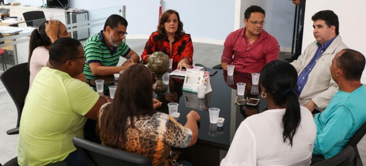 Samuel participa de reunião na SES para discutir a falta de profissionais da área de saúde em Sergipe
