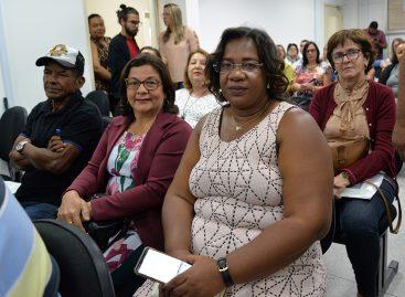 Projeto Gratidão: servidores aposentados da Educação são homenageados