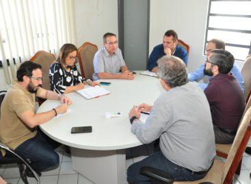 Nitinho se reúne com equipe técnica para discutir concurso e reforma da Câmara