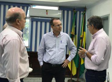 Zezinho Sobral vai à Cohidro e solicita perfuração e instalação de poços artesianos em Arauá