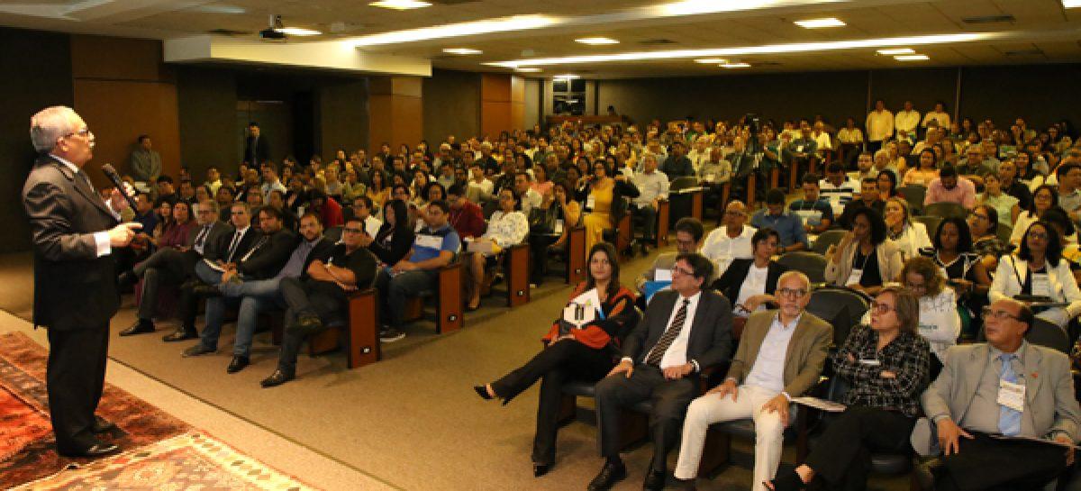 TCE reúne gestores e técnicos do Estado e municípios em Workshop da Educação
