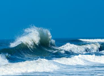 Marinha do Brasil alerta para ressaca e ondas altas até esta quinta-feira