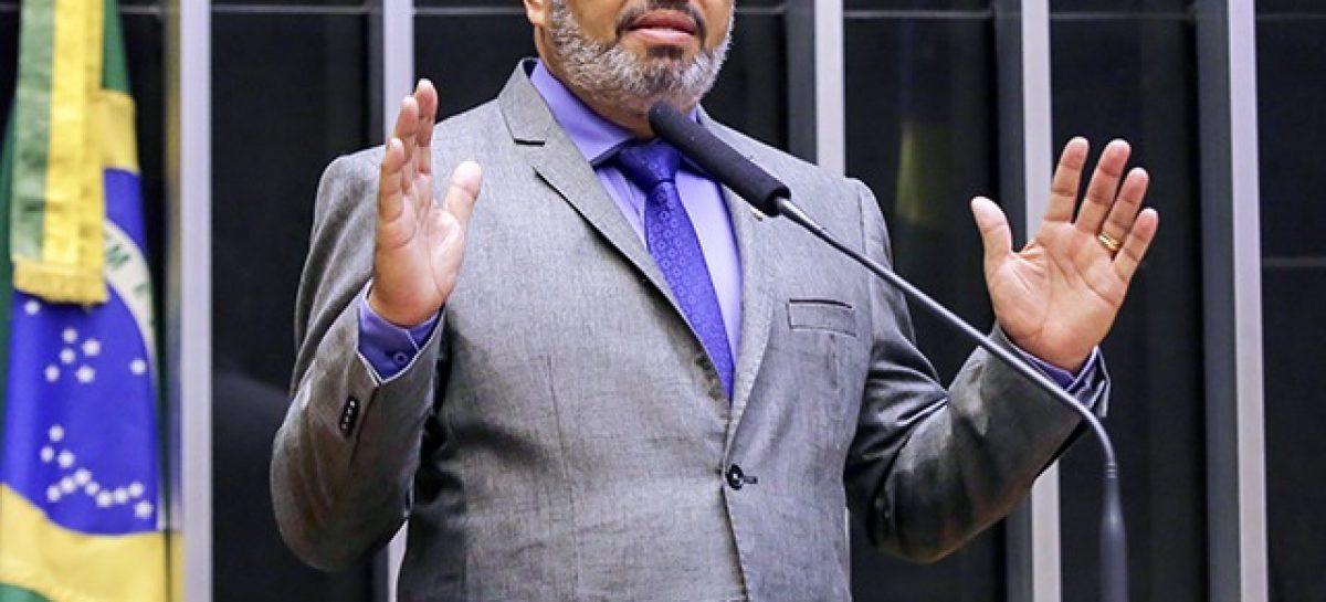 """Valdevan Noventa: """"Votei contra a reforma da Previdência em defesa dos mais humildes"""""""
