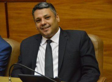 Acusado de abuso do poder econômico, deputado Ibrain Monteiro é absolvido por 7 a 0