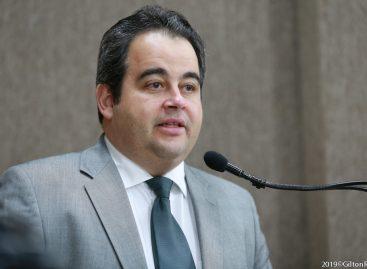 Nova proposta sobre Taxa de Publicidade será elaborada, afirma Vinícius Porto