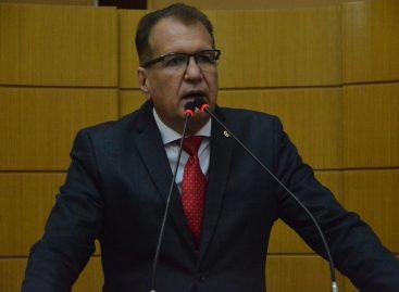Deputado Adailton Martins sai em defesa de Belivado Chagas