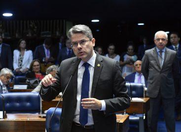 Alessandro Vieira recolhe assinaturas para novo requerimento de CPI do Judiciário