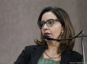 """""""É desonroso com quem fez tanto por Lagarto"""", diz Emília Corrêa"""