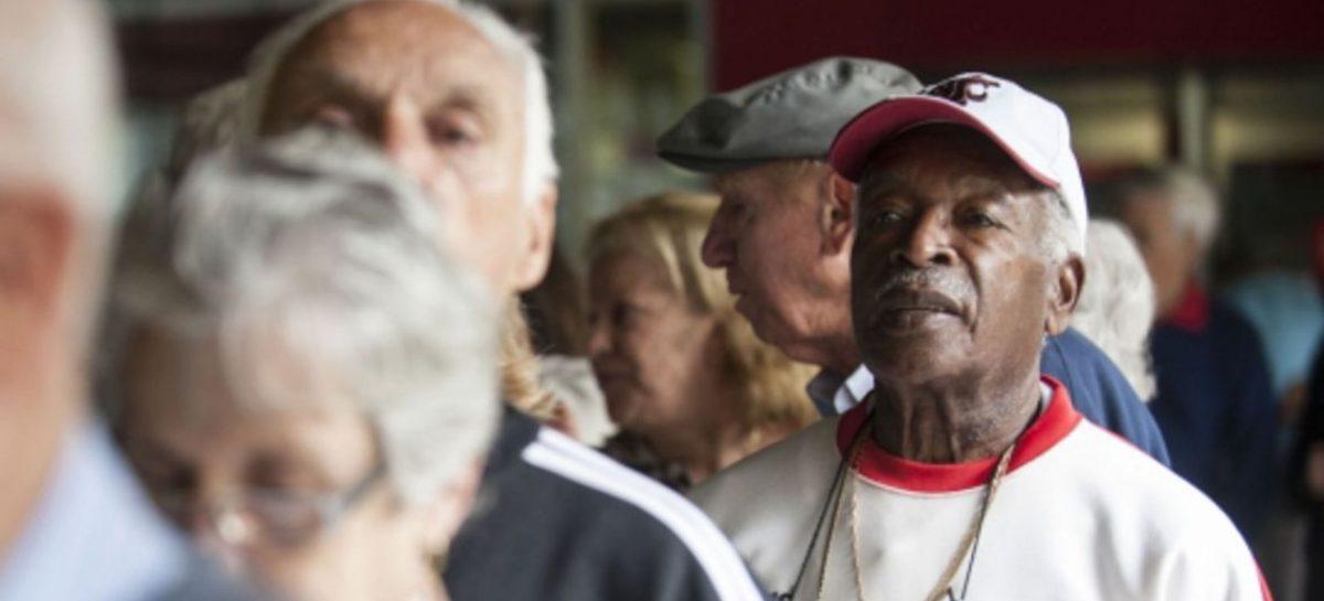 CEF começa pagar PIS para cotistas a partir de 60 anos