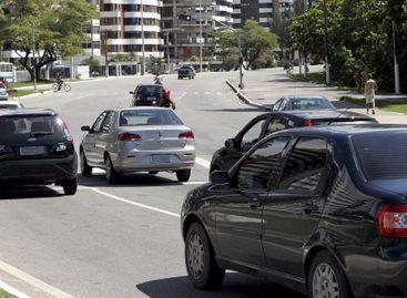 Licenciamento de veículos com placa final 7 deve ser pago até esta sexta-feira, 30