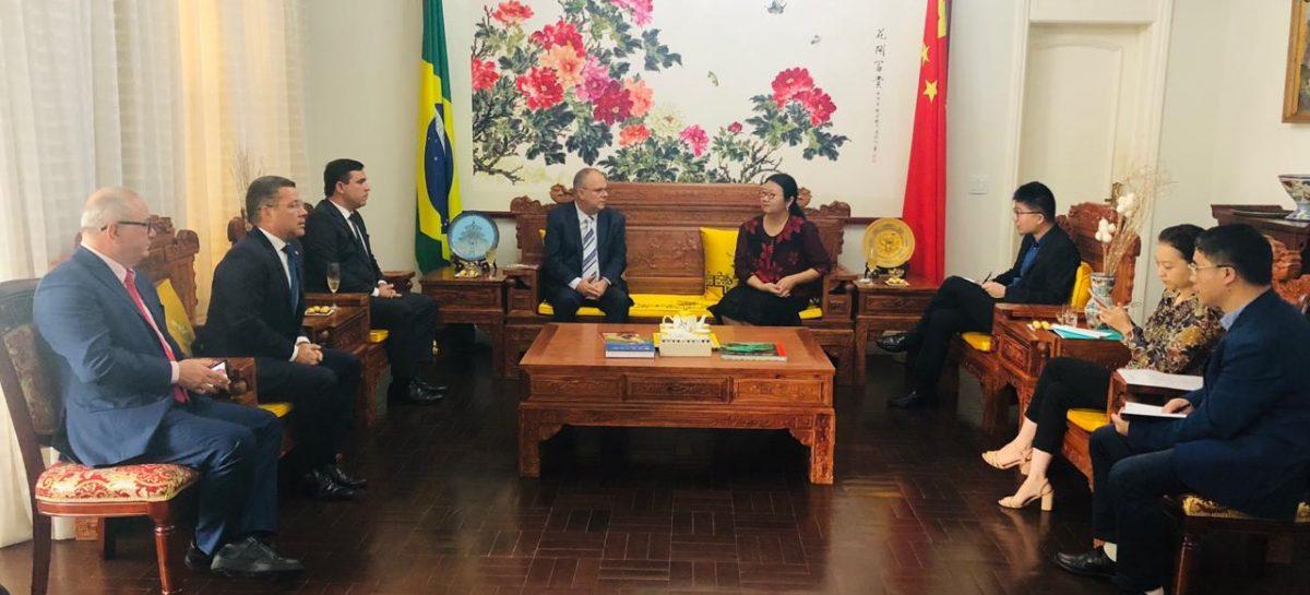 Belivaldo busca investimentos Chinês para explorar potencial do gás em Sergipe