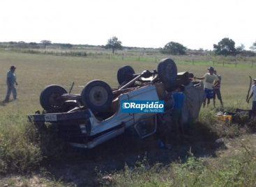 Acidentes com queda de moto e carro desgovernado deixa quatro feridos no interior