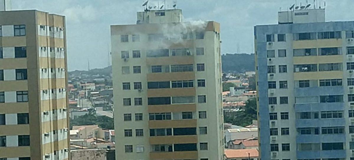 Principio de incêndio assusta moradores de prédio residencial na Nova Saneamento, em aracaju