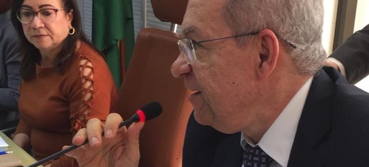 Secretário da fazenda detalha receitas e despesas do Estado aos deputados na Alese