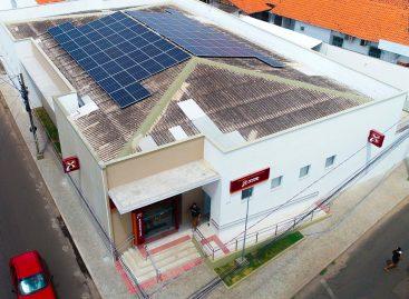 Banco do Nordeste inaugura agência com energia sustentável