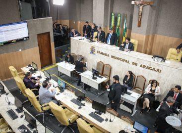 Parlamentares analisam e aprovam 13 proposituras nesta quinta-feira
