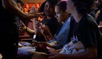 Hackatur: primeiro dia do evento reúne participantes de diversas áreas