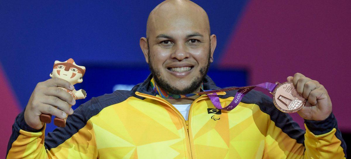 """O """"braço de ferro"""" de Sergipe: paratleta da UFS recebe elogios do secretário nacional do Esporte"""