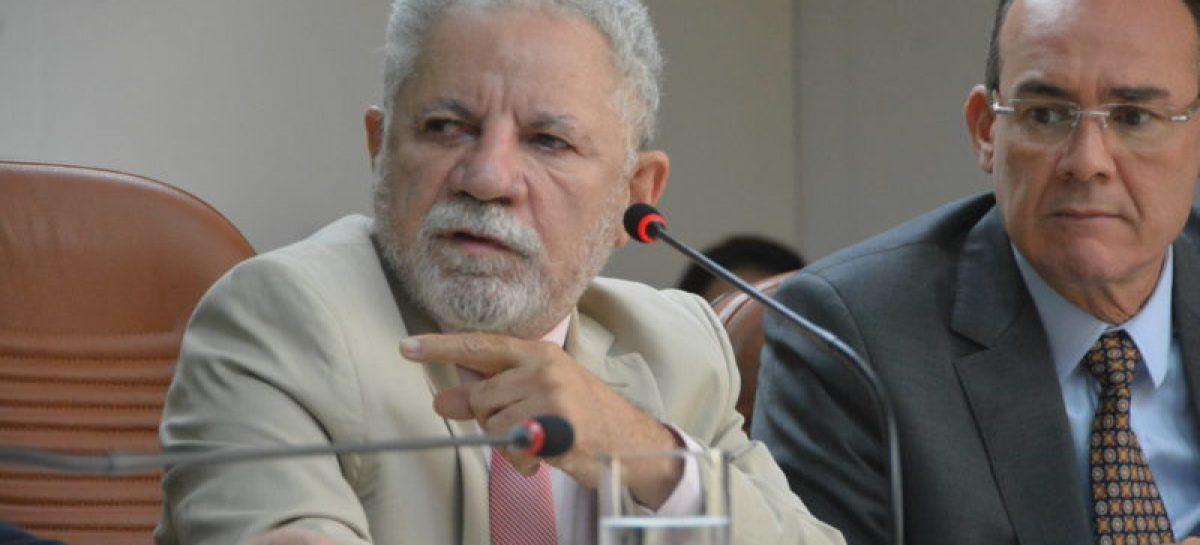 Gualberto acredita que aprovação da PEC Paralela ajudaria ao estado