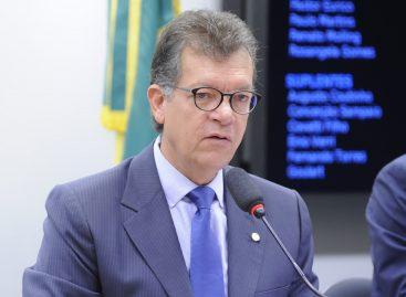 Laércio libera 5 milhões para a saúde de Aracaju e 450 mil para pavimentação de ruas
