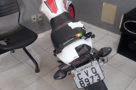 PMs prendem cidadão por receptação de motocicleta em Lagarto