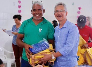 Prefeitura de São Cristóvão entrega kits de combate às endemias
